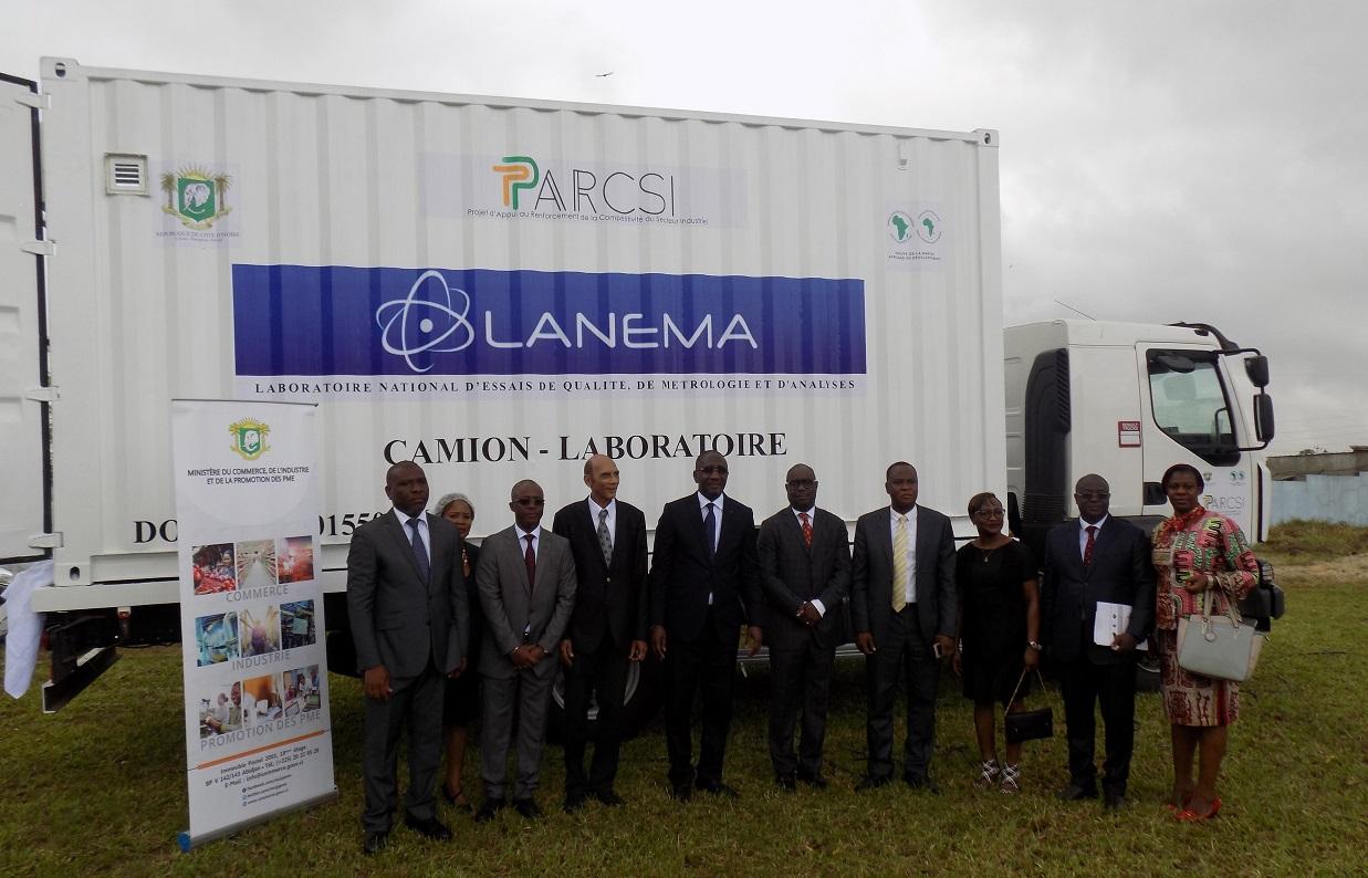 Coopération technique : Un nouveau camion laboratoire d'analyses de l'eau potable offert à LANEMA
