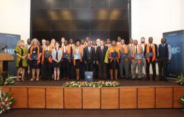 Formation : Des bénéficiaires au programme de formation de HEC Paris reçoivent leurs certificats