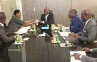 Audience: Le Vice-Président de la CGECI, M. Philippe Eponon, échange avec un émissaire de l'Ambassade sud-africaine, en prélude à la tenue d'une mission économique d'Hommes d'affaires de la Nation arc-en-ciel en Côte d'Ivoire
