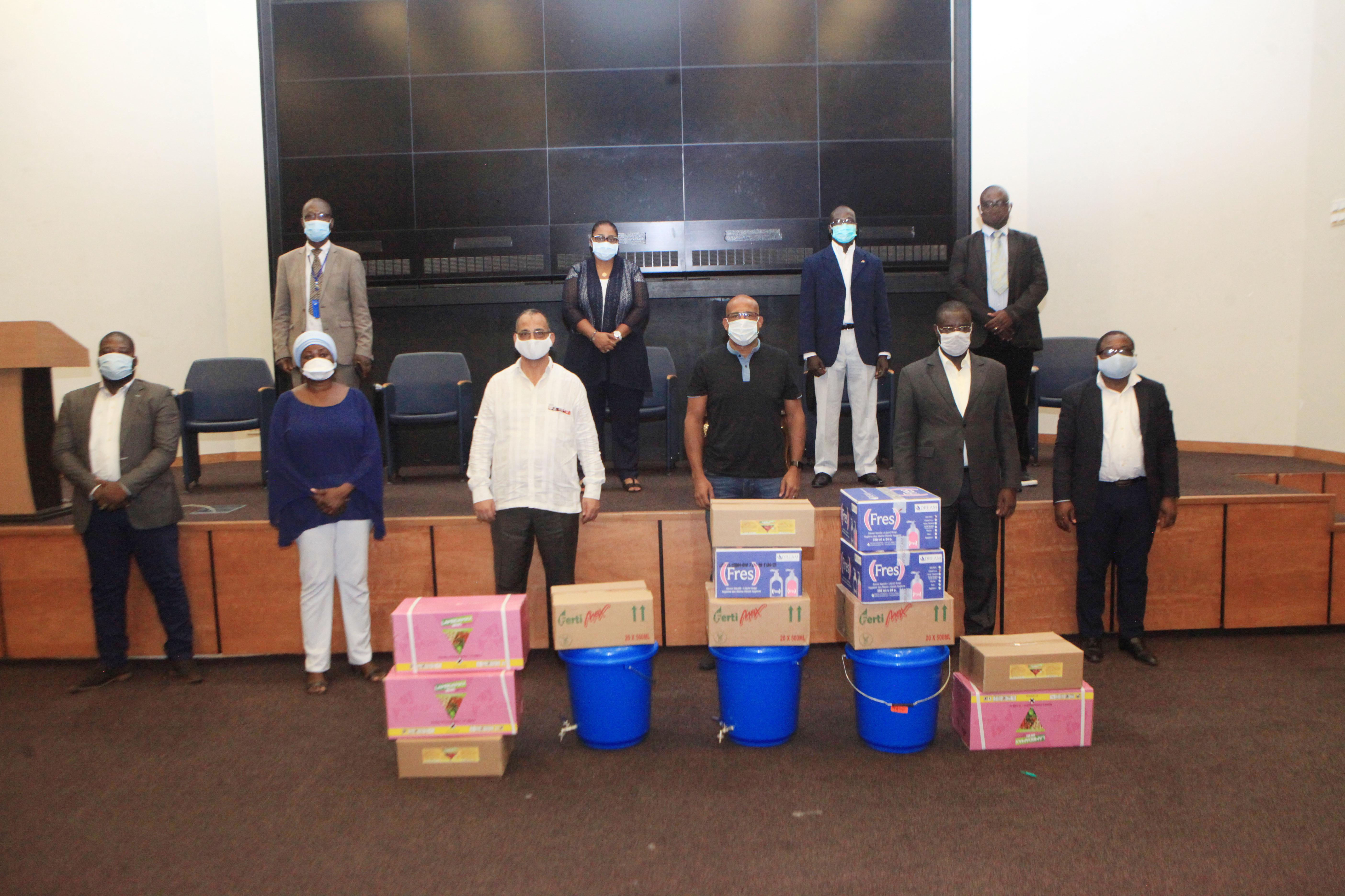Action humanitaire: Don de l'entreprise A2P à la CECI, la Croix rouge de Côte d'Ivoire et au Haut Patronat des Commerçants et Opérateurs économiques de Côte d'Ivoire