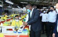 Covid-19 : le Ministre Souleymane Diarrassouba visite des industries de fabrication de masques barrières ''made in Côte d'Ivoire''