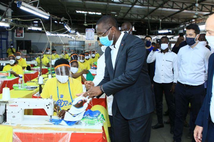 Covid-19 : le Ministre Souleymane Diarrassouba visite des ...
